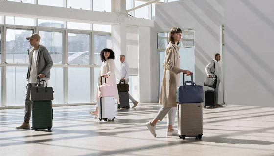 ミニマルデザインで絶大な信頼を得るスーツケース Away