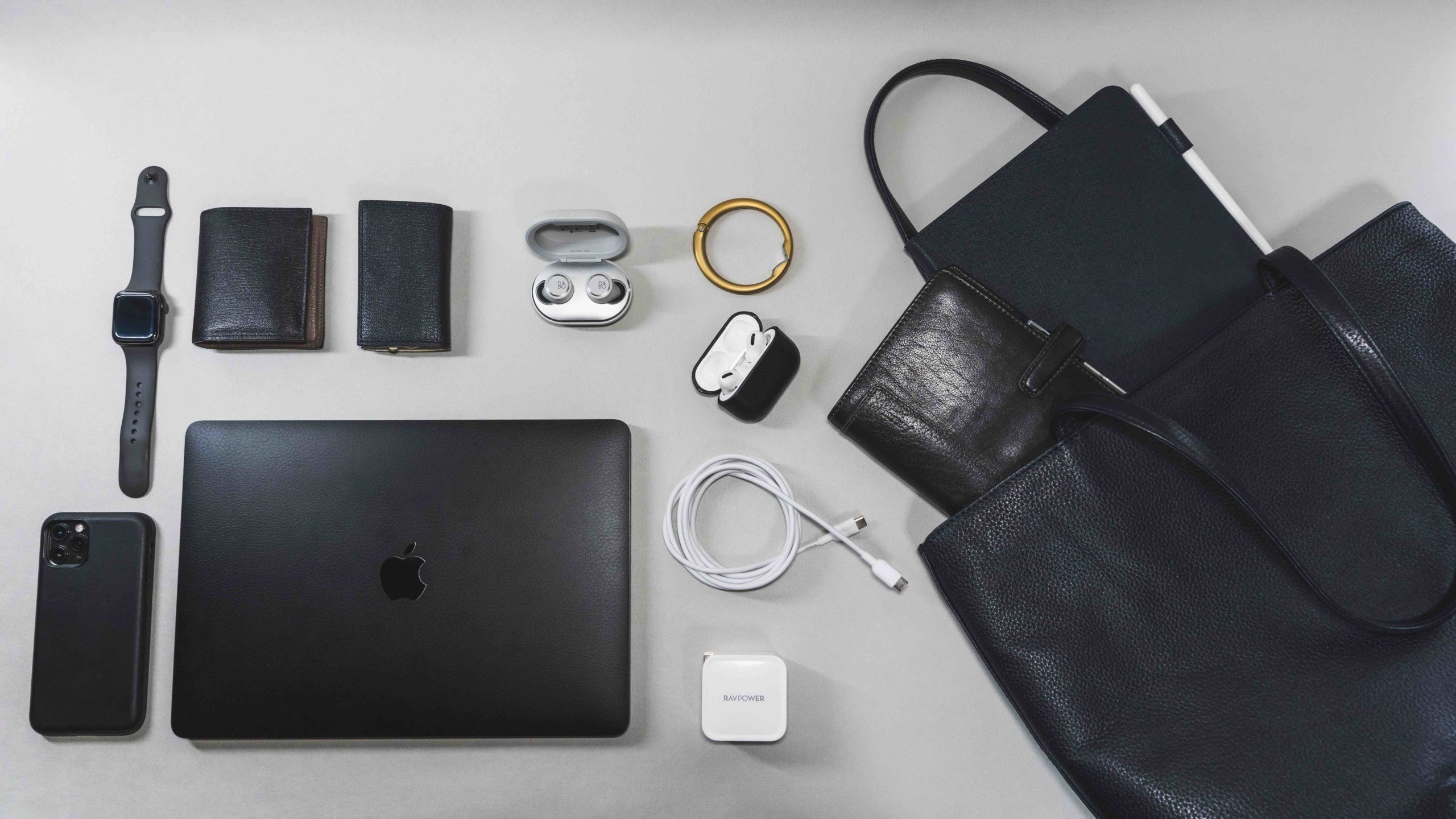 【カバンの中身】ついにMacBook Proがメンバー入り!【2020/06】
