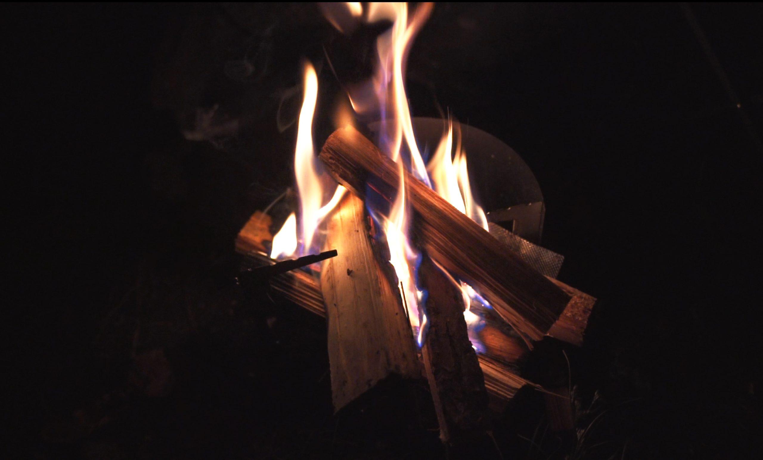 駒出池キャンプ場で念願の初キャンプ!|焚き火の前でゆっくりする時間
