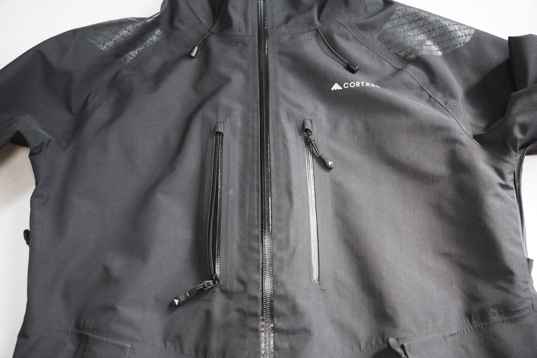 CORTAZU MOUNTAIN HARD SHELL|収納:用途別に考えられた豊富なポケット