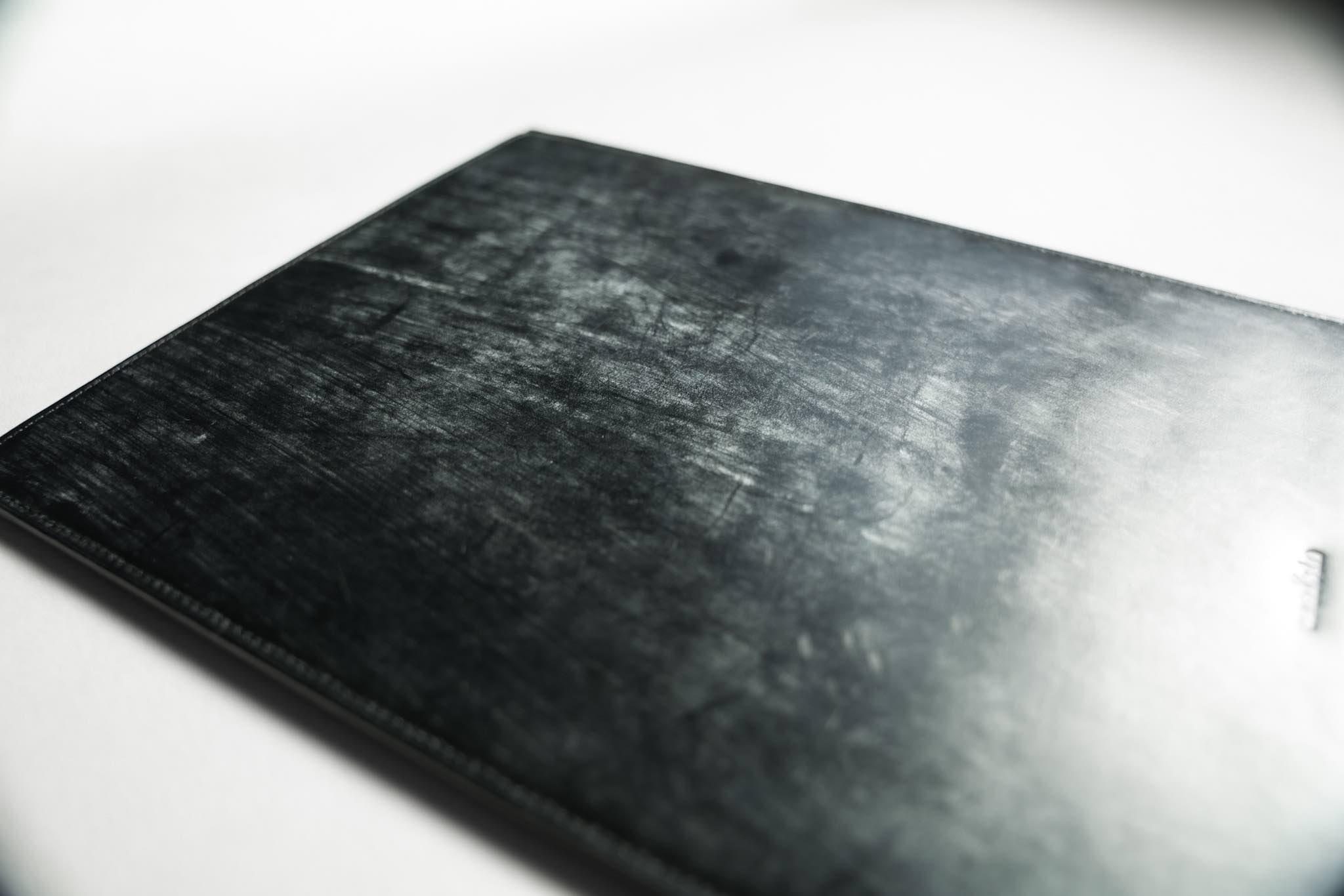 crafsto(クラフスト) MacBook用スリーブケース|特有の艶と光沢、英国製最高級ブライドルレザーを採用