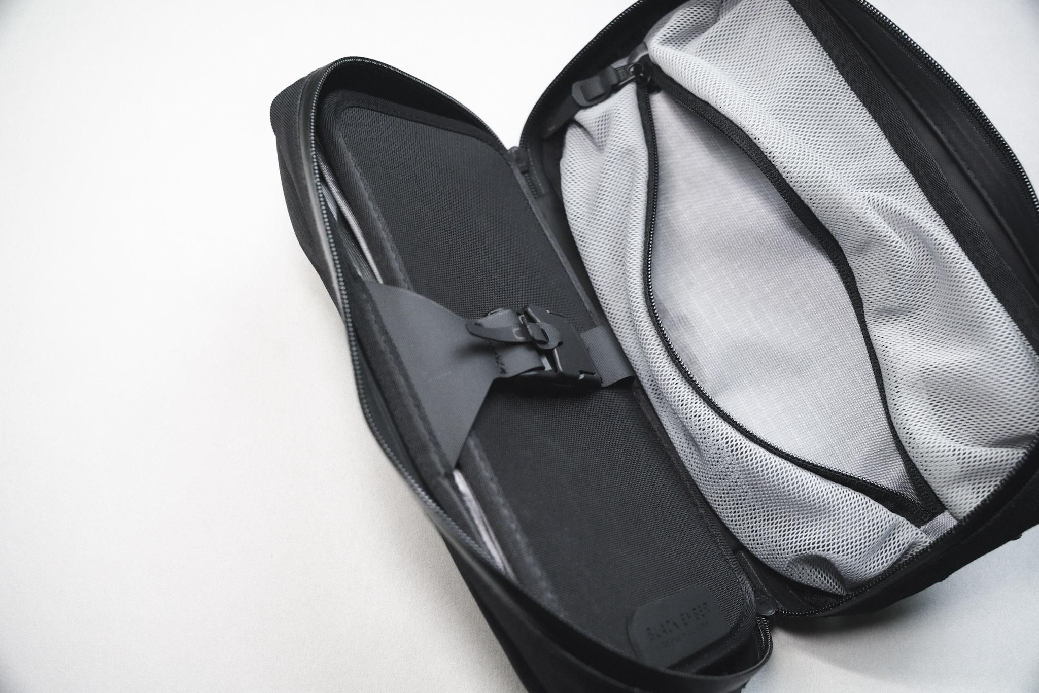 Black Ember TKS アコーディオン式ポケット